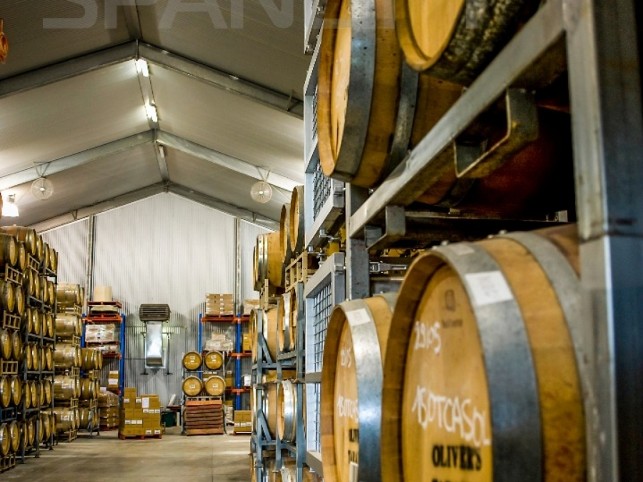 Barrel Store Winery 6 Spanlift 8BFwnb - Winery Building Design