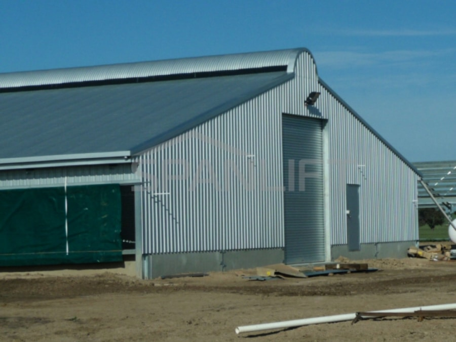 Curtain Sided Free Range Broiler Shed 2 Spanlift b J9W9 - Free Range Broiler Shed