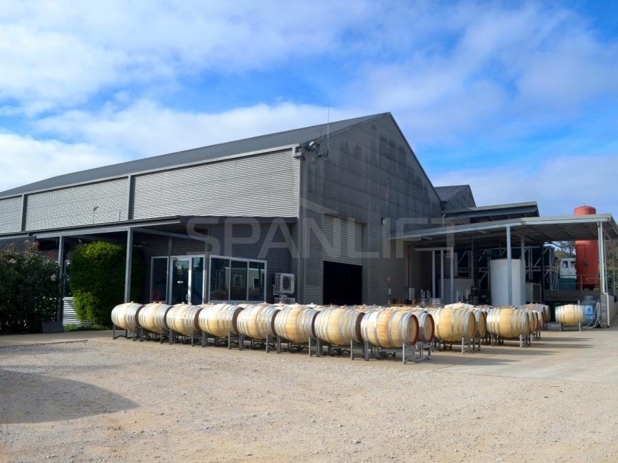 DSC00302ylaPF - Winery Shed