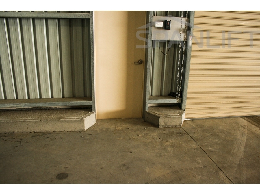 Personnel Access Doors 7 Spanlift  MH1Voj - Personnel Access Doors